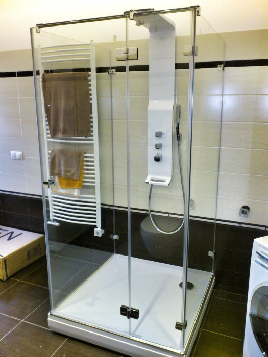 Shower Enclosures Burlington 900mm Hinged Shower Door